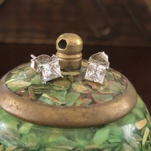 Jewelry - Square Zirconia earrings